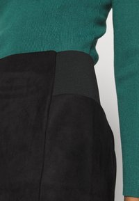 Vero Moda - VMCAVA SKIRT - Mini skirt - black - 4