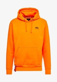 Alpha Industries - BASIC HOODY SMALL LOGO - Sweat à capuche - neon orange - 4