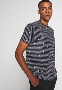 edc by Esprit - PALM - Print T-shirt - navy - 3