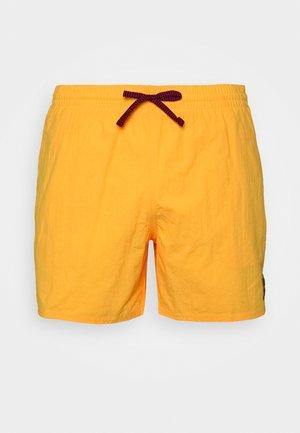 VOLLEY ESSENTIAL - Swimming shorts - laser orange