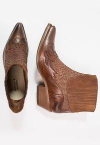Kentucky's Western - Cowboy/biker ankle boot - tint brown - 1