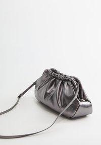 Violeta by Mango - KATERINE - Pochette - donkerzilver - 1