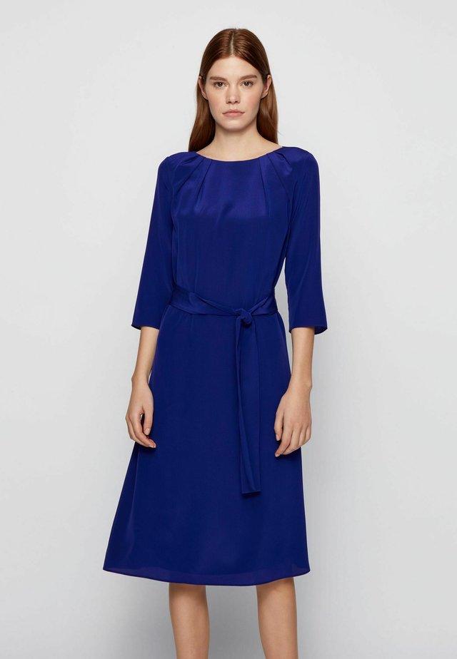 DADELY - Korte jurk - dark purple