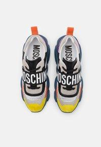 MOSCHINO - Baskets basses - multicolor - 3
