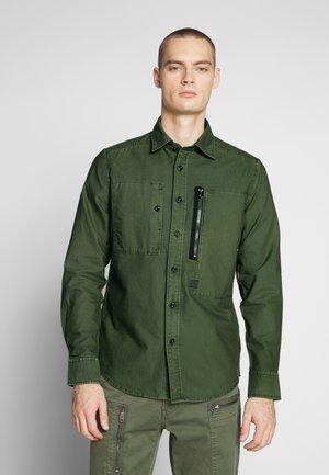 POWEL SLIM SHIRT L\S - Shirt - bronze green