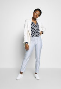 comma - Trousers - blue - 1