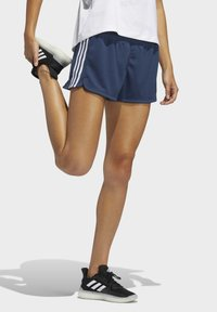 adidas Performance - PACER 3 STRIPES KNIT CLIMALITE SHORTS - Sports shorts - blue - 2