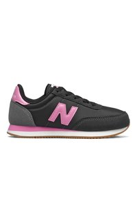 New Balance - Trainers - black/candy pink - 2