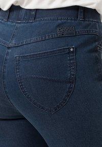 BRAX - STYLE LAVINA - Slim fit jeans - stoned - 4