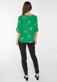 YAS - Blusa - verdant green - 2