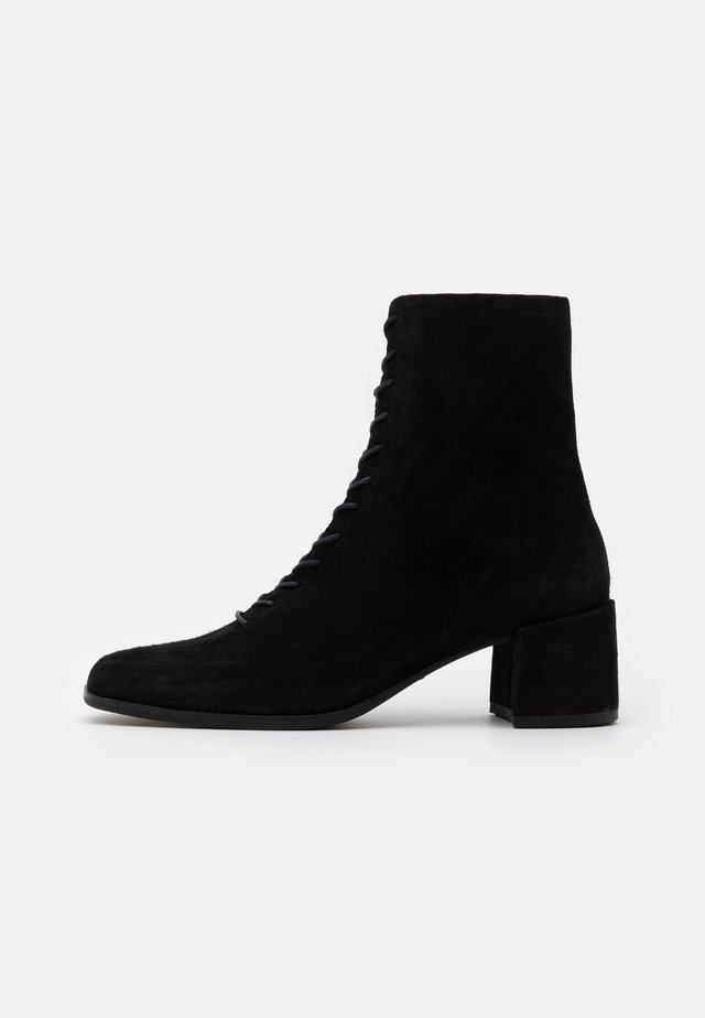 STINA - Bottines à lacets - black