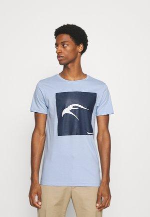EAVEY - Print T-shirt - sky blue