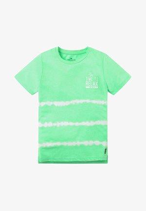 BATIK  - T-shirt print - washed neon green green