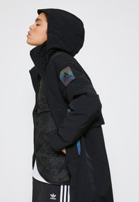 adidas Performance - MYSHELTER 4IN1 PARKA - Parkatakki - black - 4