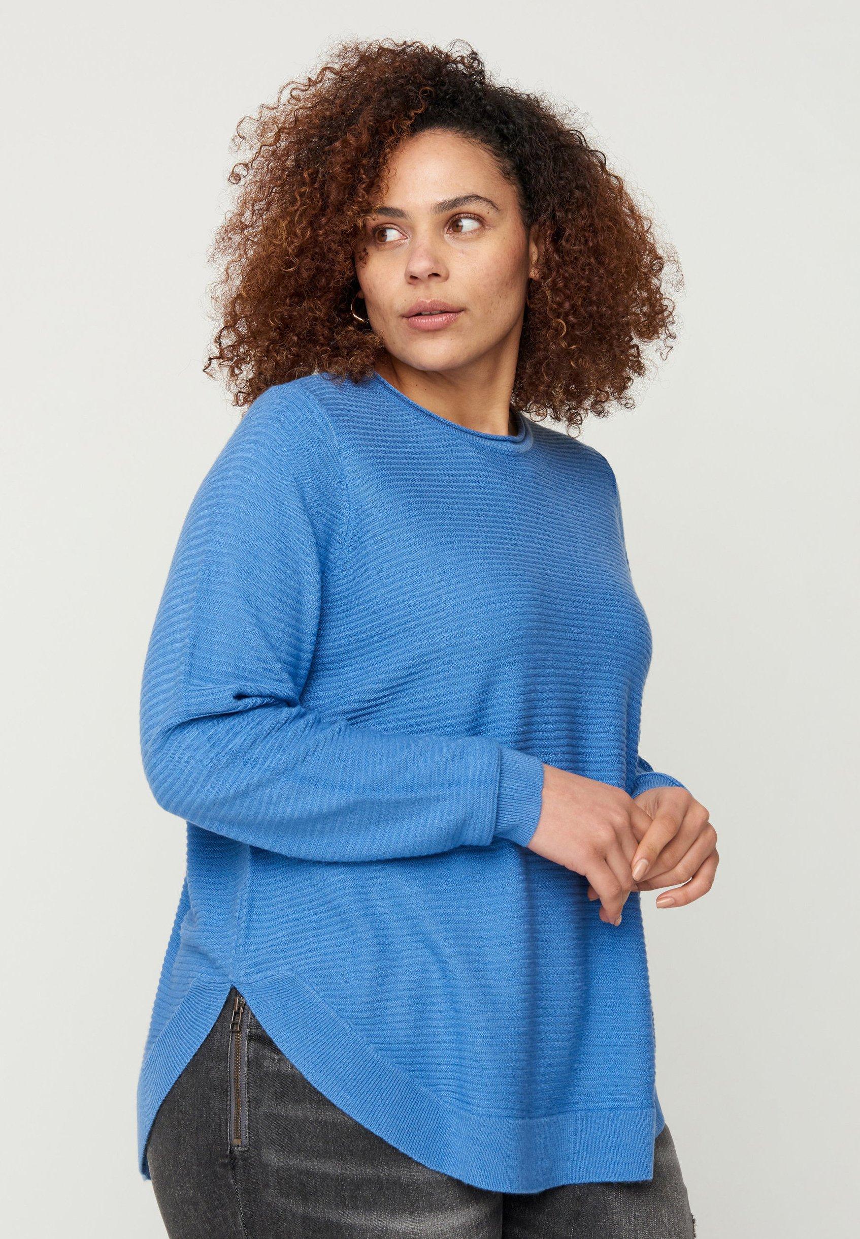 Femme MIT RUNDHALSAUSSCHNITT - Pullover