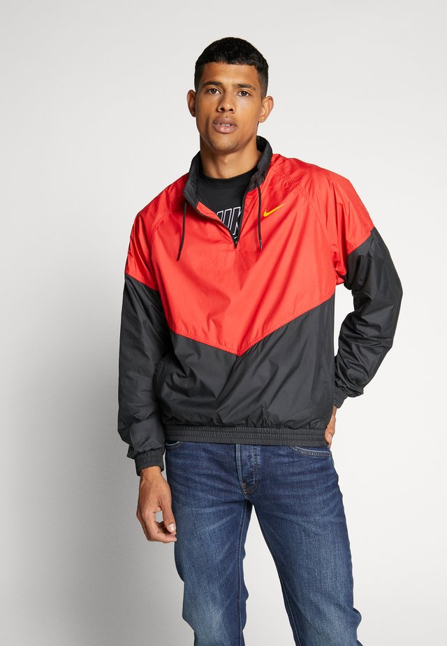 SHIELD SEASONAL - Trainingsjacke - university red/black
