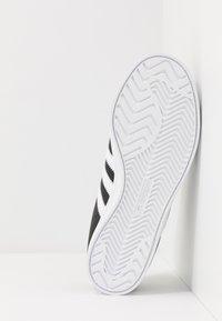 adidas Originals - COAST STAR - Sneakersy niskie - cblack/ftwwht/cblack - 4