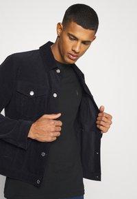 AllSaints - BRACE TONIC 3 PACK - Basic T-shirt - black - 3