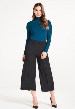 UMA - Sweatshirt - green