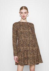 Even&Odd - SHORT CREW NECK - Day dress - black/beige - 0