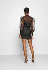 Vero Moda - VMSEVEN SKIRT - Mini skirt - black - 2
