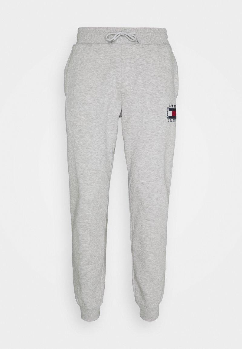 Tommy Jeans - SLIM BOX FLAG PANT - Pantalon de survêtement - grey