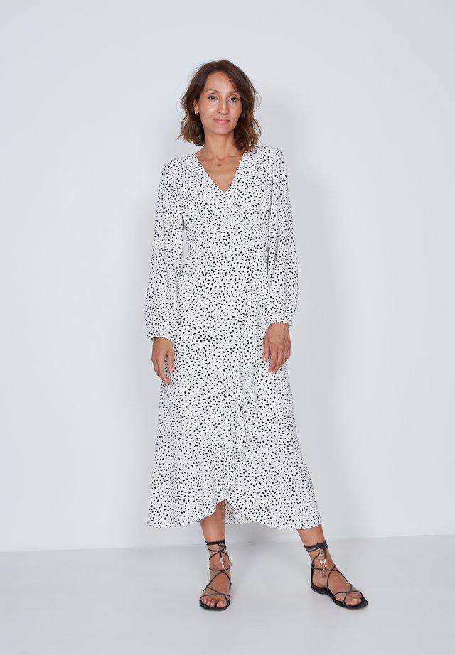 Day dress - white, black