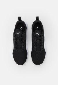 Puma - FLYER RUNNER UNISEX - Chaussures de running neutres - black/white - 3