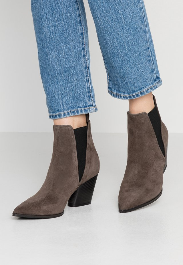 AMBER - Ankle boots - smoke