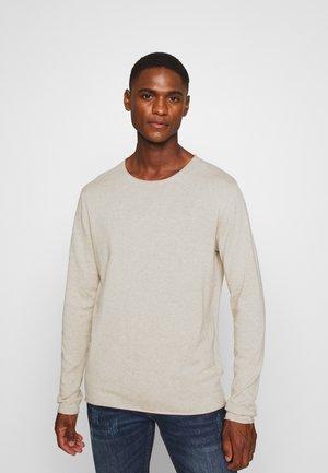 SLHDOME CREW NECK - Stickad tröja - light sand melange