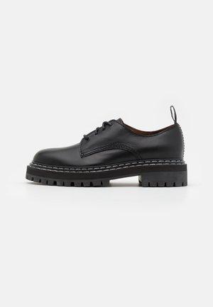 LUG SOLE OXFORDS - Zapatos de vestir - black