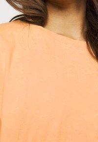 Missguided Petite - WASHED OVERSIZE TEE - T-shirts - orange - 5