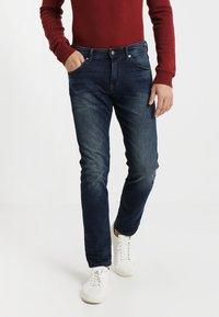 TOM TAILOR DENIM - PIERS - Slim fit jeans - dark stone wash denim - 0