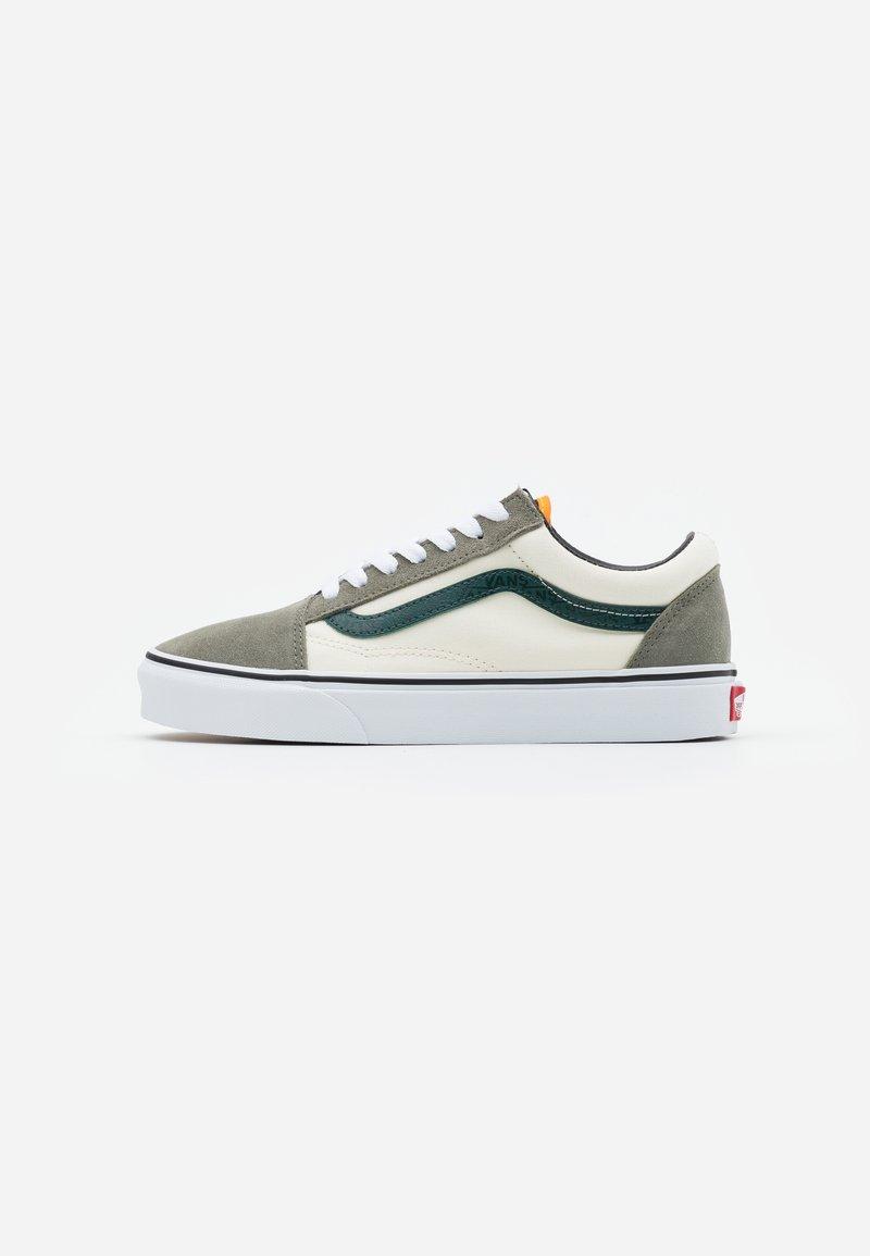 Vans - OLD SKOOL UNISEX - Trainers - antique white/bistro green