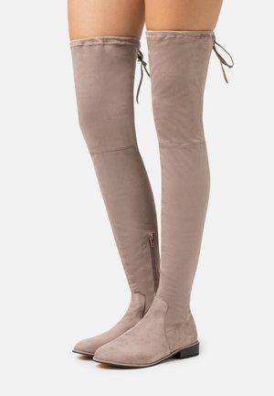FLAT BOOTS - Høye støvler - mocha