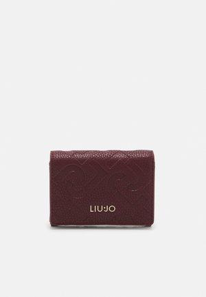 CREDIT CARD CASE - Wallet - bordeaux