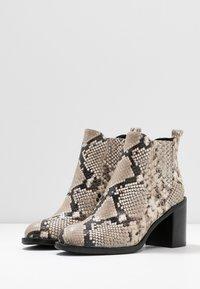 Alberto Zago - Ankle boots - roccia - 4