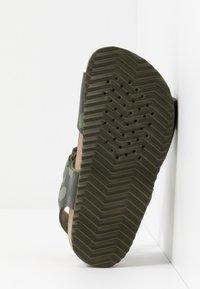 Geox - GHITA BOY - Sandals - military - 5