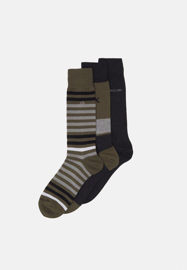 MENS MULTI STRIPE CREW COOPER 3 PACK - Socks - camo green