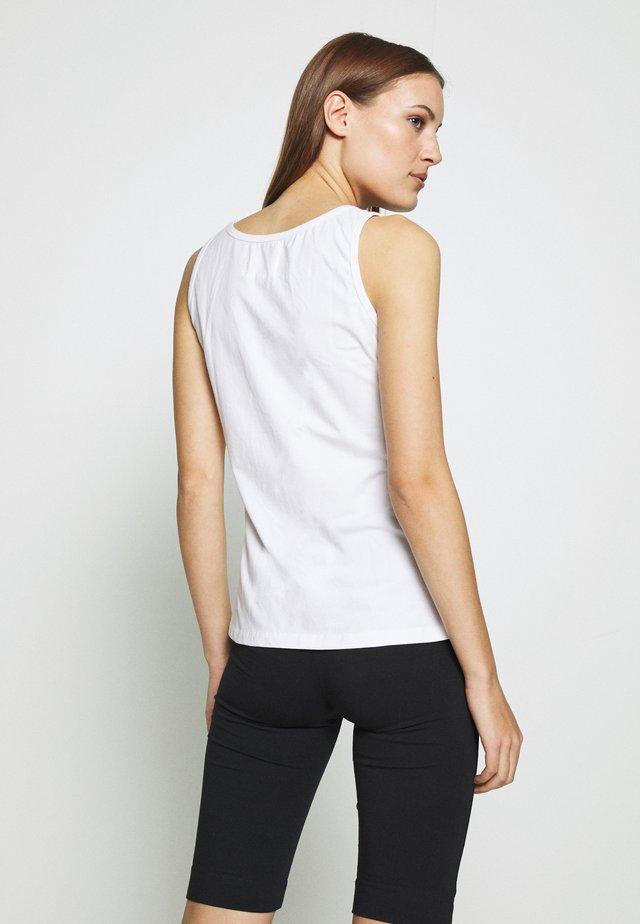 PETRA - Top - white