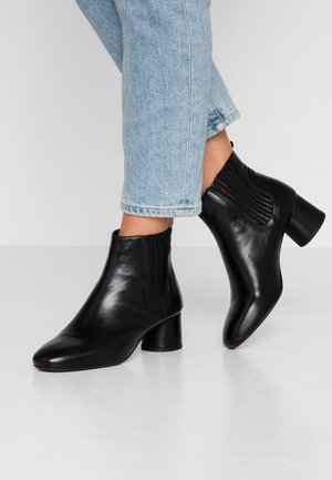 BIACALLIOPE CHELSEA - Ankle boots - black
