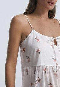 OYSHO - DITSY FLORAL - Day dress - white - 3