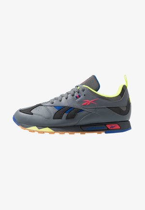 CLASSIC LEATHER RC 1.0 LIGHTWEIGHT SHOES - Baskets basses - true grey/black/hype pink