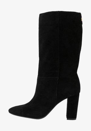 ARTIZAN - Vysoká obuv - black