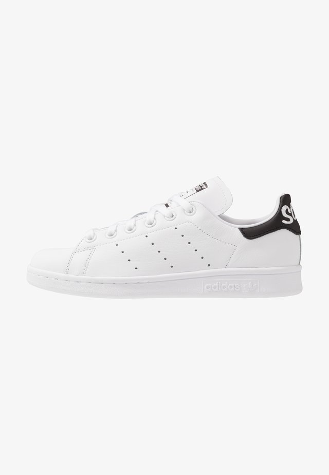 STAN SMITH NEON HEEL SHOES - Zapatillas - footwear white/core black