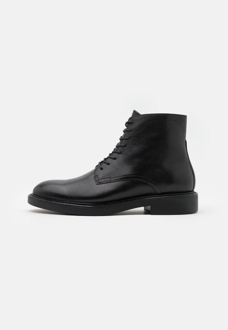 Vagabond - ALEX - Šněrovací kotníkové boty - black