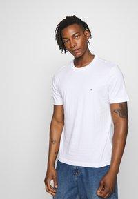 Calvin Klein - LOGO 2 PACK - Jednoduché triko - black/white - 2