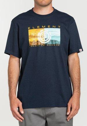 SENTINEL  - Print T-shirt - eclipse navy