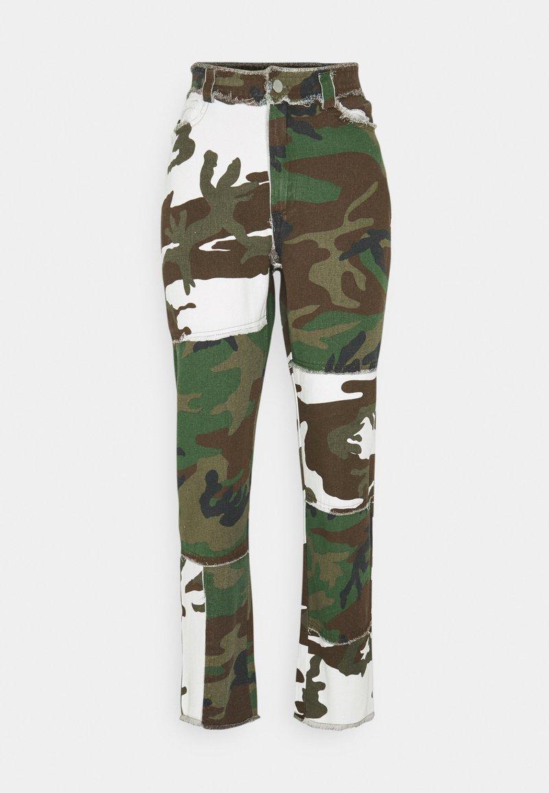 Missguided - CONTRAST CAMO PANEL STRAIGHT LEG TROUSER - Trousers - khaki