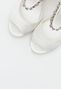 Menbur - Sandaler med høye hæler - ivory - 5